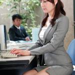 【無修正動画】セクシー熟女・満島ノエルが禁断のセックス